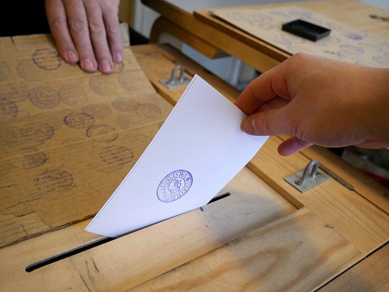 Paper voting